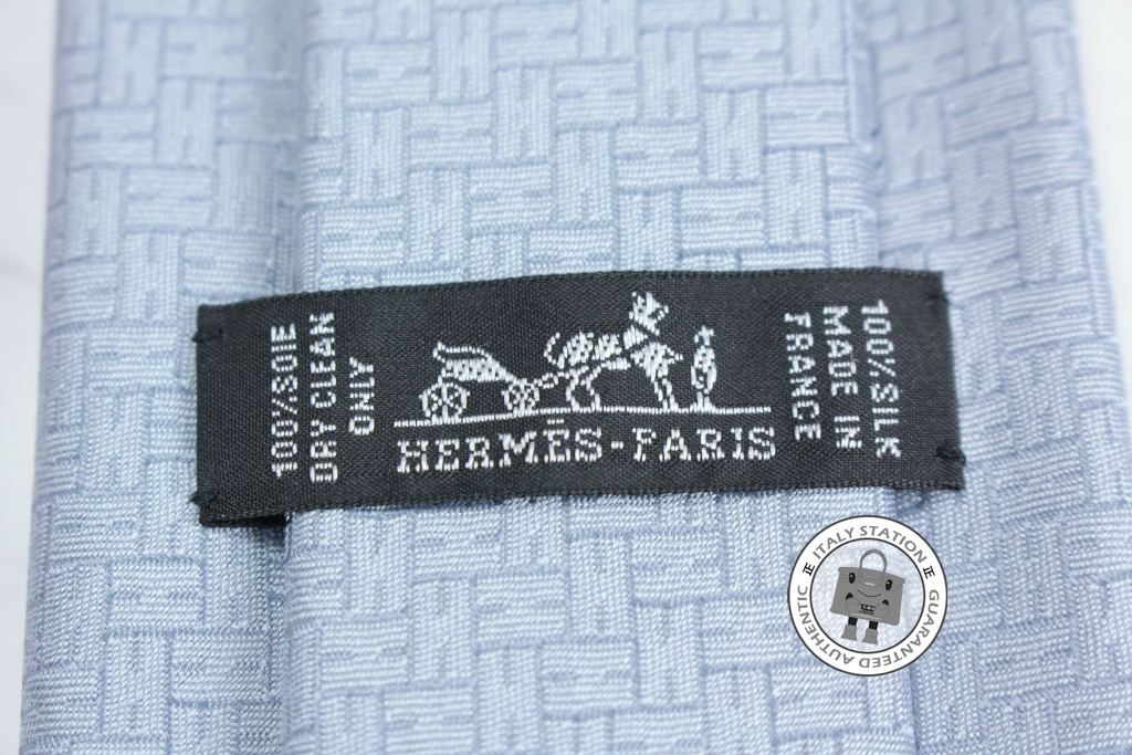 74275345304e IS030802 -- Hermes Light Blue Jacquard Faconnee H 24 Silk 030190T Tie