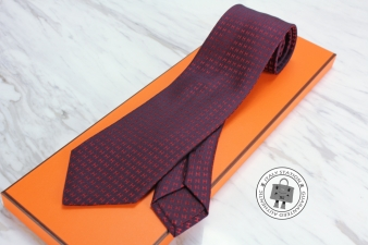 Hermes Cassis+red Jacquard Faconnee H Bi-color Silk 038188T Tie
