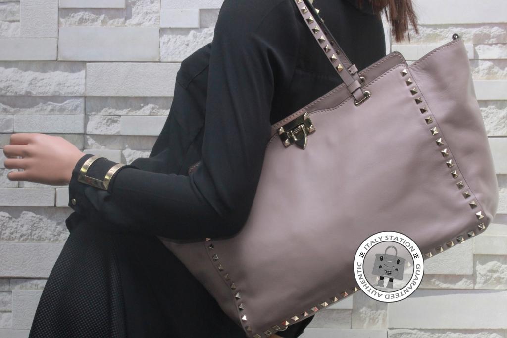 208df5c21b5 IS031915 -- Valentino P45 Poudre Medium Rockstud Medium Tote Calfskin  IW2B0970BOL Tote Bag